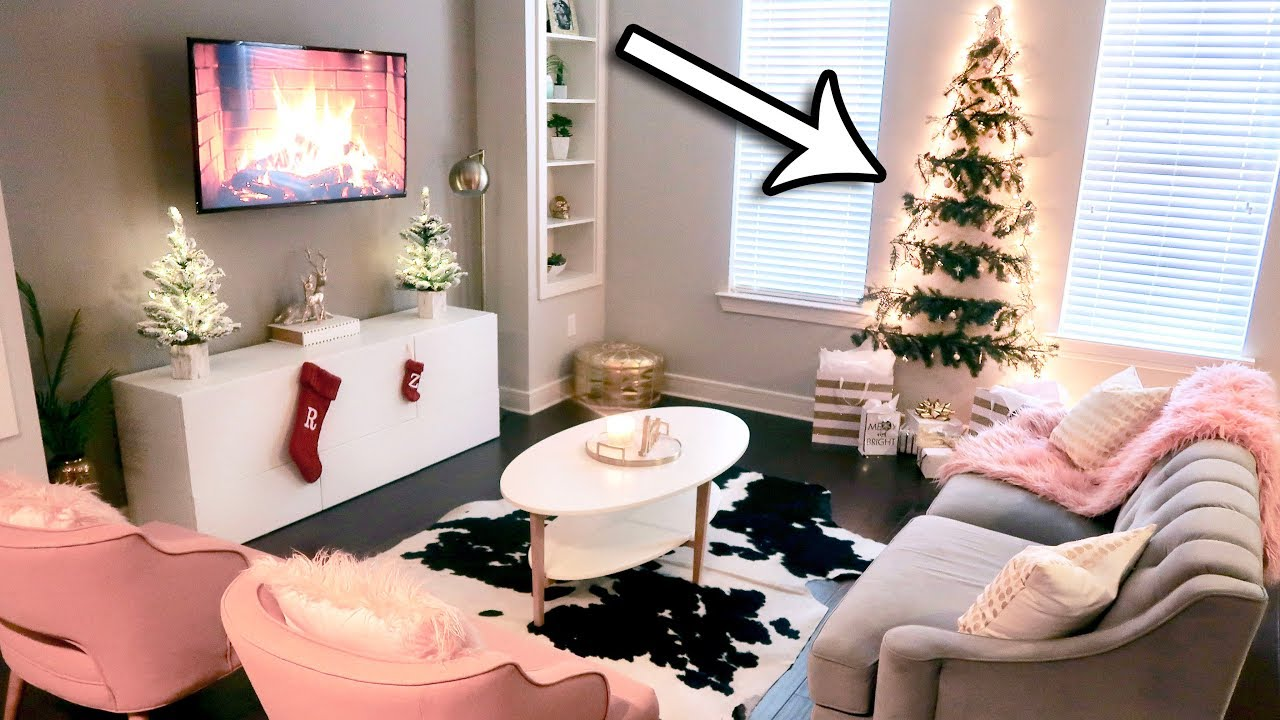 Diy christmas tree wall great for small spaces my - How to decorate living room for christmas ...