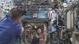 Аастронавты играли в бейсбол на Международной космической станции