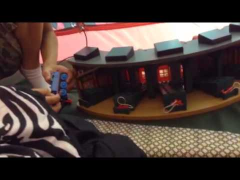 Thomas the Tank Engine-Deluxe RoundHouse Set Review - YouTube