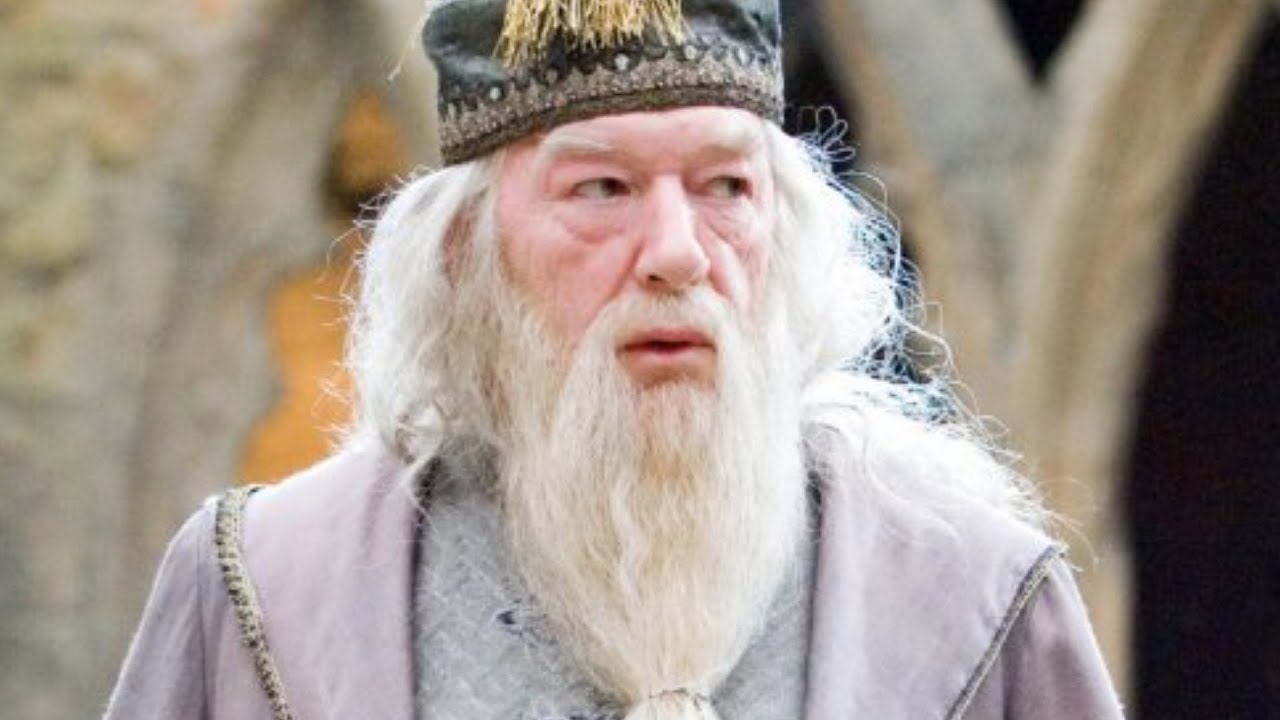 Dumbledore's Entire Backstory Explained