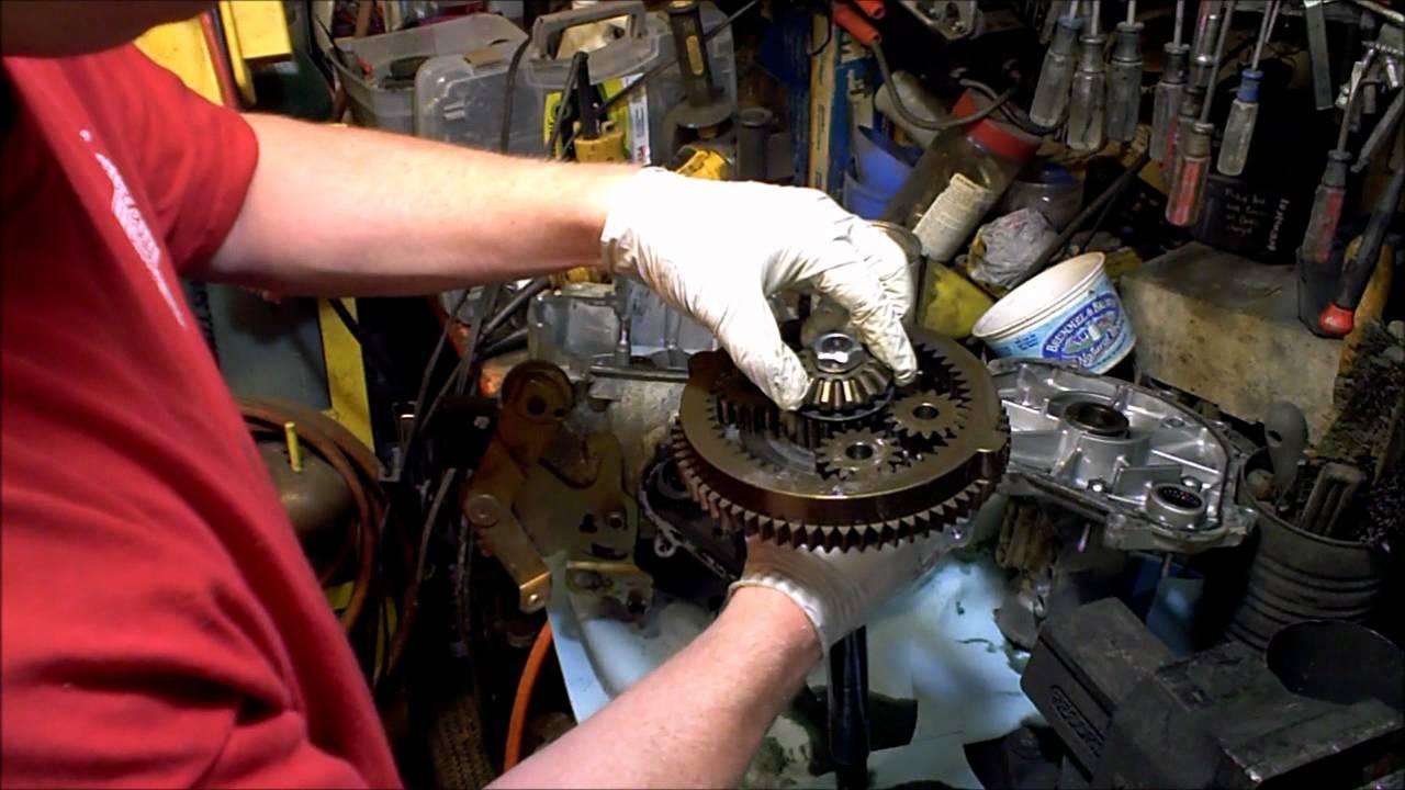2 Hydrostatic Garden Tractor transmission rebuild 2 of 4