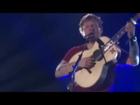 ed-sheeran-vicar-st-dublin-may-2014-dedicates-irish-folk-song-to-granny