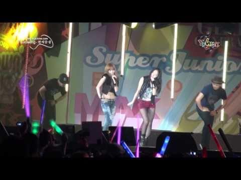 [Fancam] 100911 Jessica SNSD, Krystal F(x)  - Tik Tok @ SM TOWN 2010 Shanghai
