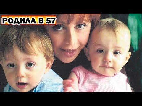 Зрелая женщина родила двойняшек в 57 лет   Как они выглядят через 16 лет