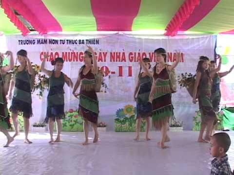 """Tiết mục  múa """"Nàng Sơn Ca"""""""