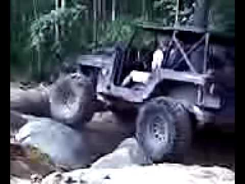 Rocks &  Valleys - Jeep Rock Crawl with some winch help