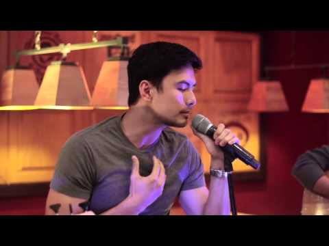 Christian Bautista - Wag Ka Ng Umiyak (an Ebe Dancel Cover) Live at the Stages Sessions
