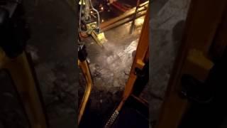 видео Аренда экскаватора с гидромолотом