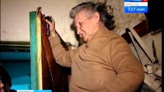 """Конфликт среди соседей: пенсионерка собирает хлам в своей квартире в Иркутске, """"Вести-Иркутск"""""""