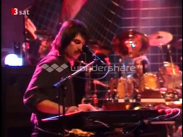 A Night in Tunisia |  Live Chaka Khan with Michael Ruff on keyz