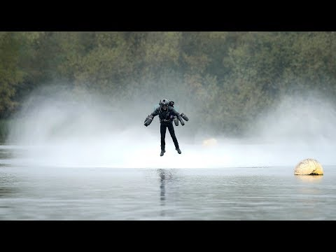 """Iron Man"" flying jet suit sets Guinness World Record"