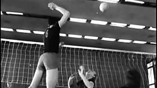 видео Тактика волейбола, групповые атакующие действия, комбинации