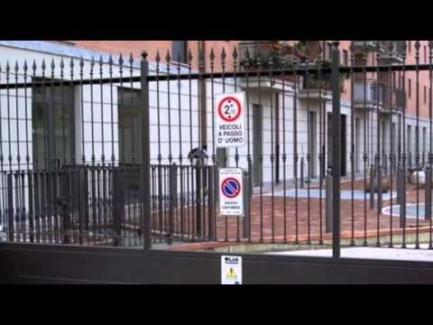 Inferriate e cancelli di sicurezza - YouTube
