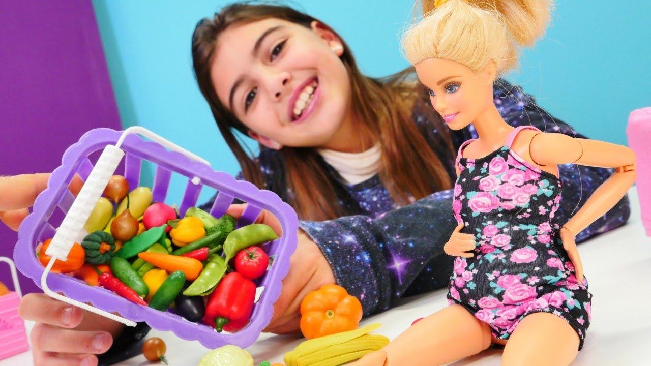 Eğlenceli kız videosu. Barbie kilo almış! Doğru ve sağlıklı beslenmeyi öğrenelim.