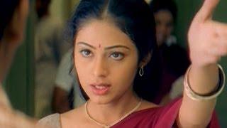 Jayam Movie || Sada Remove Her Anklet Love Scene || Nitin & Sadha