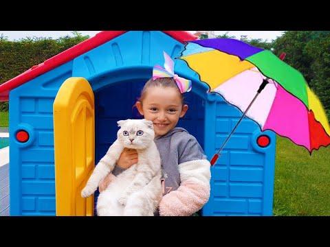 Öykü Prepares Colorful Umbrellas for Little Cat