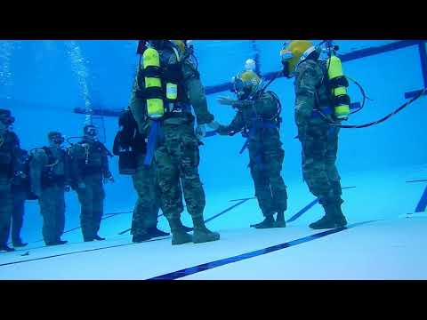 Dive Team Pacific Army-exercise underwater command | HD