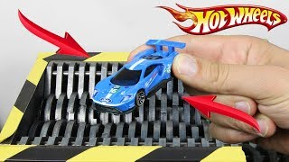 Experiment Shredding Ford GT 2016 Hot Wheels And Toys | The Crusher