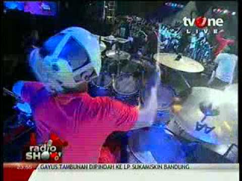 PAS Band - Gladiator @RadioShow_tvOne 2012_06_05_23_51_49.mp4