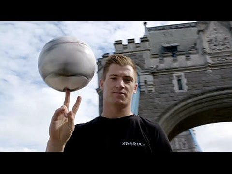 #WhatsYourX: Breaking Four Football Freestyle Records in London!