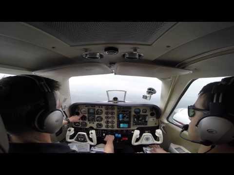 Baron BE58 - ILS Approach - Sugar Land, TX - KSGR