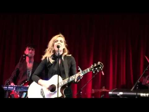 Rachel Platten Concert in London! (VedjiMike Day 19)