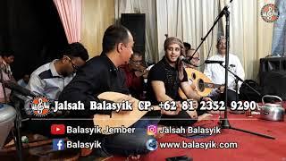 BALASYIK JALSAH. Vokalis dari Yaman suara Sahdu.. simak video live in Malang