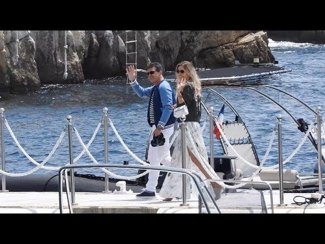 EXCLUSIVE - Antonio Banderas and Nicole Kimpel arrive at Eden Roc Hotel by boat