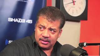 Neil Degrasse Tyson Nervously Explains the Flat Earth. You Must See This!