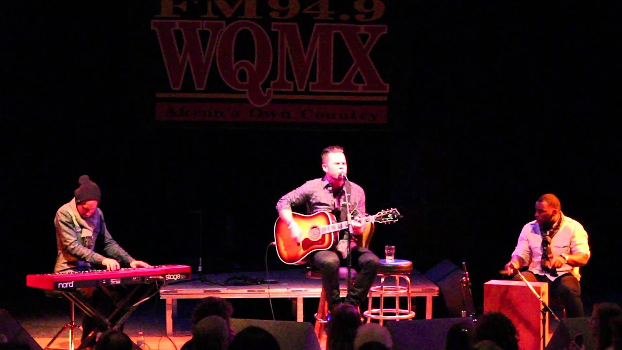 WQMX Tree of Lights Concert with David Nail - YouTube