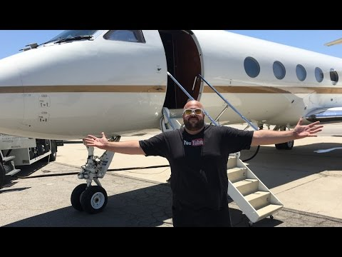 EPiC PRiVATE JET FLIGHT!!!