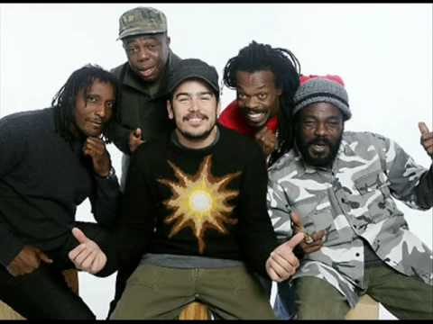 The Wailers (Elan atias,,,Then Belly Full) Live !