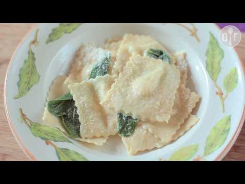 New || How To Make Yummy Delicious Pear and Gorgonzola(Cheese) Ravioli At Home.