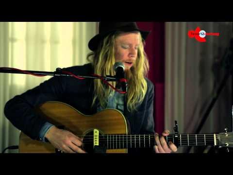 Stu Larsen - Thirteen Sad Farewells - 3voor12 Den Haag Sessie Crossing Border Festival 2014