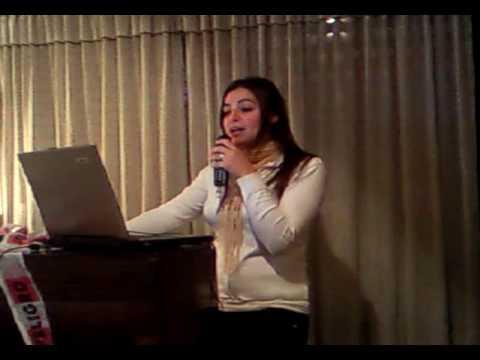 coni reyna karaoke