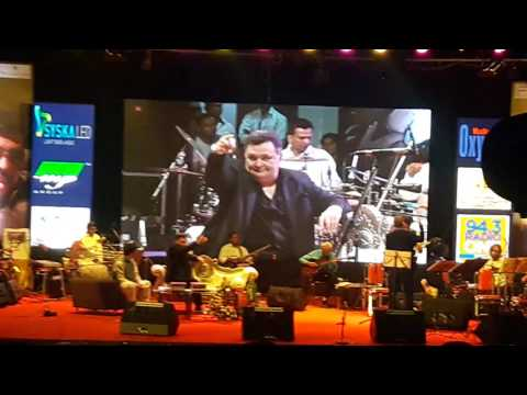 Rishi Kapoor enjoys Gorakh Sharma ji recreate the Karz Theme at his Pune Show1st May 2017