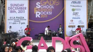 Indonesian Youth Regeneration (IYR)-Song For You (Live at GADIS School Fashion Rocks! 2011)