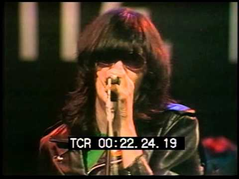 """Ramones, """"Rock N Roll High School"""" - The Old Grey Whistle Test"""