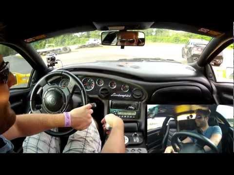 Lamborghini Diablo vs. GTR R35 on dragstrip