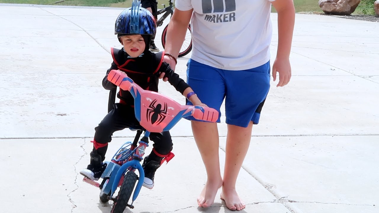 riding-a-bike-with-no-training-wheels