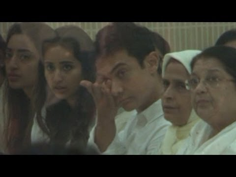 Aamir Khan CRIES at Jiah Khan's condolence MEET