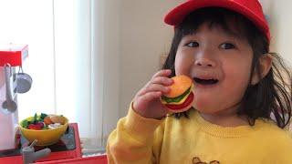 マクドナルド お店屋さんごっこ Magic McDonald's Hamburger!!Turns into real Gummy Burger??