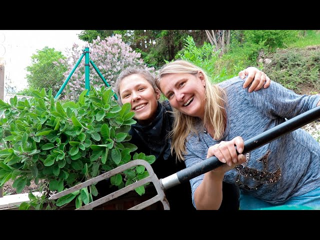 A DAY IN MY LIFE mit Mama | Minimalismus, Hochbeete, Selbstversorgung