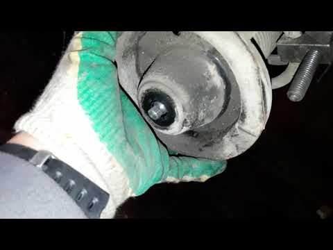 Замена задних амортизаторов ЛАЧЕТТИ и задних тормозных колодок, смазка направляющих.