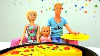 Игры куклы Барби и Штеффи. Подарок Кену на 23 февраля!