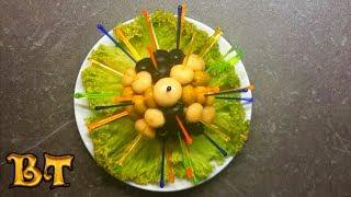 Праздничная закуска. Оригинальная подача маслин, оливок и маринованных грибов на праздничный стол