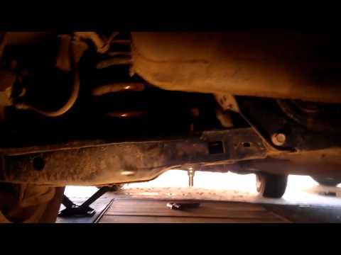 Замена стойки стабилизатора на Toyota RAV4