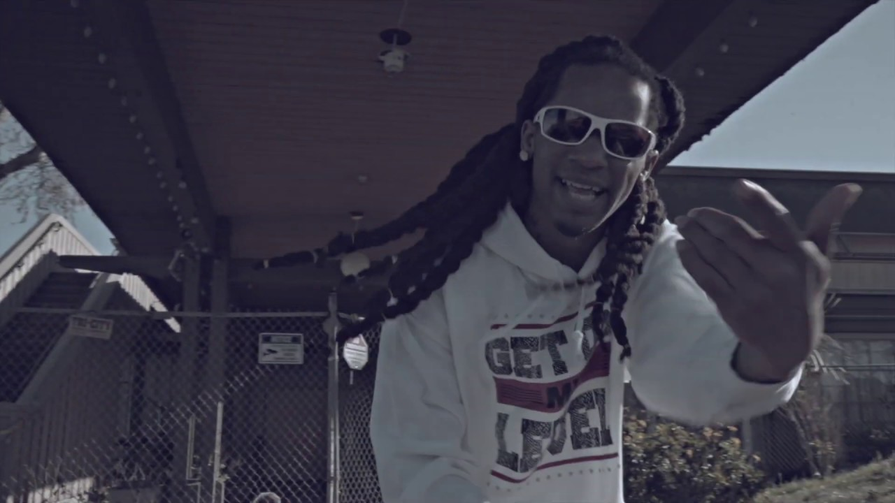 yung-cheeze-flossed-out-official-music-video