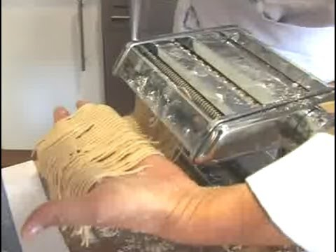 C mo cocinar pasta fresca youtube for Como cocinar acelgas frescas