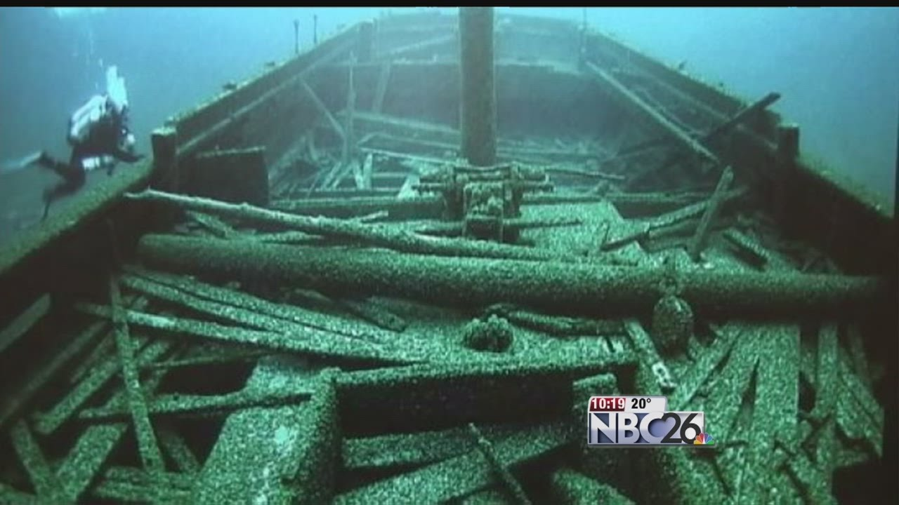 mystery of the christmas tree ship that sunk near two rivers